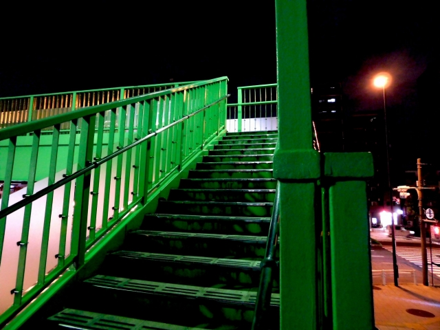 女子中学生にみだらな行為をし、その様子をスマホで撮影した横浜の無職・佐藤英視被告を淫行罪で5度目の逮捕